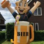 Opblaasoudjes huren Abraham in bierpul